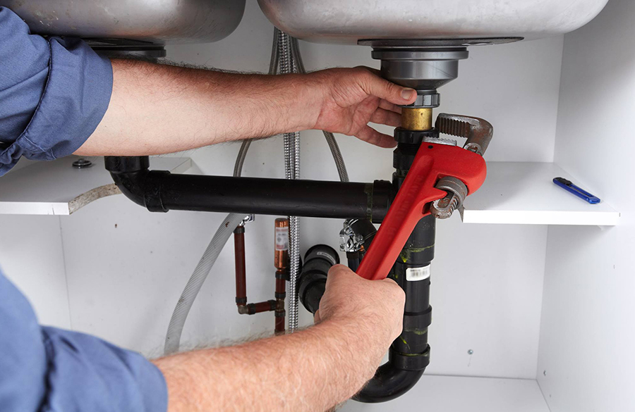 Choosing and Hiring the Right Plumber